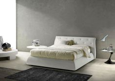 Letto moderno con contenitore. Modern bed with container.