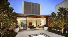 http://www.archithings.net/106-carpenter-street-residence-showed-by-freshome