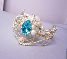 """Купить Посеребренный браслет с жемчугом и кристаллами Swarovski """"Лёд"""" - серебряный, посеребренный, зимний, холодный, снежный"""