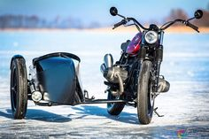BMW R100 Brat Style with sidecar by Red Hot Chili Customs #motorcycles #bratstyle #motos   caferacerpasion.com