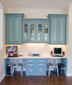 hanging cabinets Built in desk for the study - love the color. Thought about putting in a single desk area in my new kitchen. built in desk. home office. home decor and interior decorating ideas. Home Desk, Home Office Space, Home Office Design, Office Decor, Desk Space, Office Ideas, Desk Nook, Kids Office, Blue Office