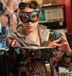Holtzmann why are you wearing two different pairs of goggles