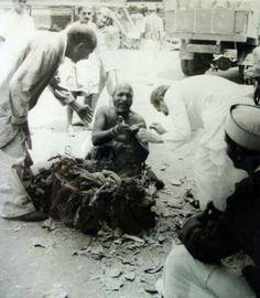 Baba meets Mast Hanuman Baba