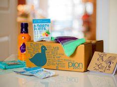 PijonBox Subscription Box for College Students - Deal on Living Social - http://mommysplurge.com/2014/01/pijonbox-subscription-box-for-college-students-deal-on-living-social/