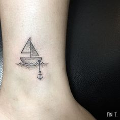 Fun little #sailboat earlier also ⚓️⛵️thank you Stephanie! #tinytattoos…