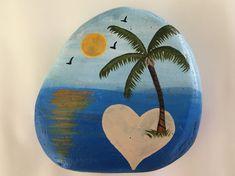 70 Favorite Rock Art Design Ideas Perfect For Beginners - Ideaboz Seashell Painting, Pebble Painting, Pebble Art, Stone Painting, Rock Painting Ideas Easy, Rock Painting Designs, Painting Patterns, Beach Rock Art, Beach Rocks