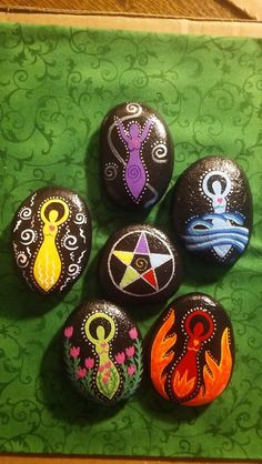 5 Goddess Elemental Stones-Fire, Water, Earth, Air & Spirit - with Corresponding Elemental Pentacle Wiccan Decor, Wiccan Crafts, Rock Crafts, Arts And Crafts, Pagan Christmas, Painted Rocks Craft, Pagan Art, Art Prompts, Rock Painting Designs