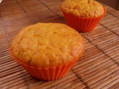 A sütőtökös muffin akár maradék sült sütőtökből is elkészíthető. Nagyon finom, puha őszi-téli sütemény, a halloween nagy sztárja. Ezze Lorem Ipsum, Latte, Muffins, Food And Drink, Sweets, Snacks, Meals, Cookies, Chocolate