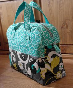 Weekender Travel Bag Sewing Pattern PN501 PDF by SusieDDesigns