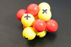 Building 3D models is a common activity in science class. The 3D models give kids a better understanding of how various scientific elements work and look. A 3D atom model is simple to make and requires only a few supplies. The main components of atoms are protons, neutrons and electrons. The nucleus is made up of the protons and neutrons....