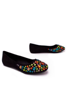 Cute with colorful jewels Summer Flats, Pink Summer, Diy Clothing, Black Flats, Coco Chanel, Charlotte, Gems, Jewels, Sandals