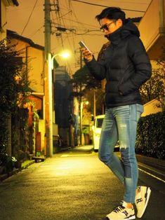 Modern Men Street Style, Superenge Jeans, Winter Outfits Men, Boy Photography Poses, Street Look, Albert Einstein, Super Skinny Jeans, Winter Fashion, Men Casual