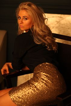 Gold beauty girl #hair#2018#gold#style#fashion#blonde#makeup#skirt#photography#portret