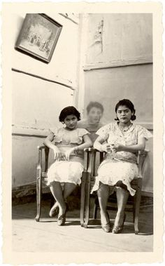 oh this is so creepy!  another great pic from John and Teenuh Foster's site Accidental Mysteries