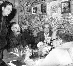 En la Bodeguita del Medio con sus amigos pintores