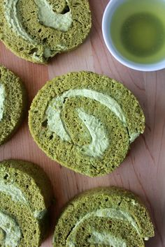 Green tea cake roll or swiss roll is nothing new, but I tried my first piece when I was in Hong Kong. It was from a Japanese bakery – I guess green tea is always a thing related to Japan. Cake Roll Recipes, Dessert Recipes, Matcha Cake Roll Recipe, Green Tea Roll Cake Recipe, Japanese Bakery, Japanese Desserts, Japanese Recipes, Asian Desserts, Green Tea Dessert
