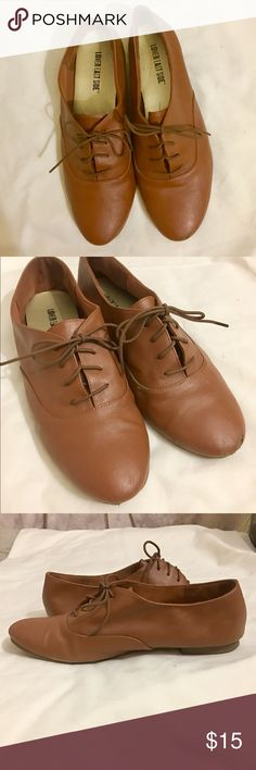 Brown oxford styled flats w laces Brown oxford styled flats w laces. Man made upper. Minor wear. Super stylish, cute, and comfy for casual wear or business casual. lower east side Shoes Flats & Loafers