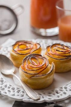Apples & Puff Pastry Roses by cuisine-addict #Apples #Roses #Easy