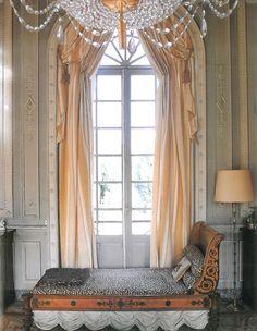 Classic emipre style silk taffetas curtain