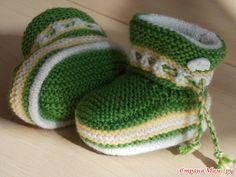 Baby Booties Knitting Pattern, Crochet Baby Sandals, Knit Baby Dress, Knitted Booties, Crochet Baby Shoes, Crochet Slippers, Baby Knitting, Knitting Patterns, Crochet Patterns