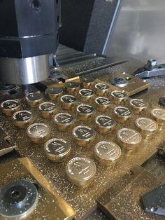 Lakstempelproductie voor onze collega Kantoorstempels/De Stempelfabriek