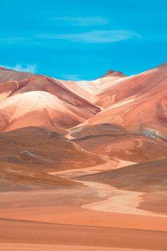Desierto Atacama, Chile. Desierto cálido, sus temperaturas rondan los 40*, llueve dos veces al año aproximadamente.