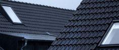 Dzięki zastosowaniu dachu zintegrowanego z fotowoltaiką inwestor poniesie tylko jeden koszt, a nie jak do tej pory dwa, co pozwoli na oszczędności!