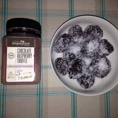 Chocolate Balls (Gluten Free) - Your Inspiration at Home - Recipes Home Recipes, Gourmet Recipes, Snack Recipes, Healthy Recipes, Healthy Deserts, Healthy Lunches, Yummy Recipes, Delicious Chocolate, Home