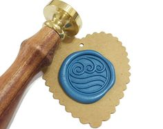 Seal stamp is a useful tool for mailing, scrap booking and jewelry making. What's more? You can use it when making cookies or chocolate! We offer unique seal stamps, find the right design to express yourself!   W A X • S E A L : this listing included 1 brass seal die with detachable wood handle the whole stamper is 9cm long, the die head is 25mm in diameter W I C K E D • S E A L I N G • W A X : wax stick is 9 * 1.2 * 1.2cm this listing offers gold / silver / black stick (optional) w...