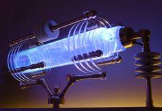 "Plasma Generator "" Metropolis IV ""  Xenon Plasma Steampunk House, Steampunk Lamp, Steampunk Accessoires, Spaceship Interior, Steampunk Gadgets, Cool Lamps, Halloween Home Decor, Light Fittings, Dieselpunk"