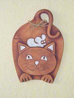 kočka a myš / Zboží prodejce menolly – Hobbies paining body for kids and adult Pottery Animals, Ceramic Animals, Clay Animals, Polymer Clay Cat, Polymer Clay Creations, Hand Built Pottery, Pottery Art, Clay Cats, Kids Clay
