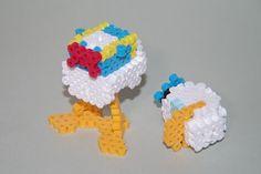 アイロンビーズ ディズニー ドナルドダック: 3DPerlerBeadsお手軽頑固な立体アイロンビーズ 3d Perler Bead, Perler Beads, Disney Duck, Crochet Necklace, Hama Beads 3d, Bricolage, Creative