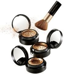 How to Choose Mineral Foundation: Best Brands & Tips
