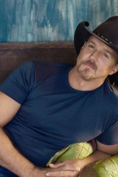 Trace Adkins 👀