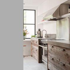 Vijf super bruikbare en creatieve tips voor een rechte keuken. Een rechte keuken hoeft helemaal niet saai te zijn met deze leuke ideeën. Bekijk ze hier!