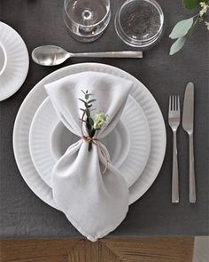Rustic Napkins, Wedding Place Settings, Christmas Table Settings, Napkin Folding, Easter Table, Thanksgiving Table, Dinner Table, Table Decorations, Living Products