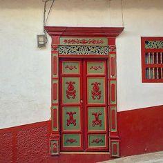 Puerta en Aguadas. Caldas. ColombiA. #aguadas #aguadascaldas #caldas #colombia #colombianiando ...
