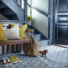 Farger til gang og entré - Inspirasjon   Fargerike Entryway Bench, Ikea, Furniture, Home Decor, Entry Bench, Hall Bench, Decoration Home, Ikea Co, Room Decor