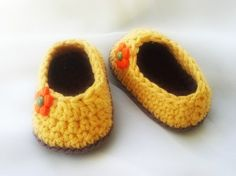 Daisy Baby Booties Pattern
