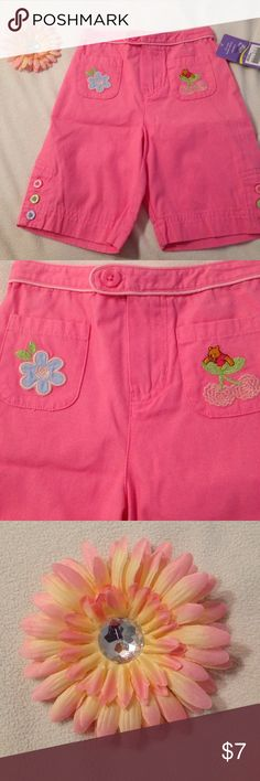 NWT girls 18 months pink capris NWT girls 18 months pink Winnie the Pooh capris . Zips and buttons in front. Winnie the Pooh Bottoms