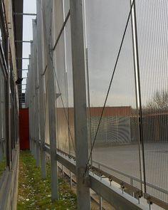 Facade cladding with Architectural Mesh EGLA-MONO 4221 by Haver & Boecker. Steel Mesh, Wire Mesh, Facades, Cladding, Architecture, City, Gallery, Arquitetura, Metal Lattice