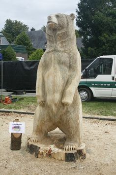 How to Build a from wood with woodworking plans! *not every pic or post is in the wood plans package Chainsaw Wood Carving, Wood Carving Art, Wood Art, Wood Carvings, Whittling Wood, Bear Decor, Wood Carving Patterns, Tree Carving, Tree Trunks
