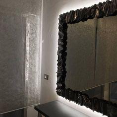 CORNICE design FERRO BATTUTO per Specchio o Foto con o senza LED . Realizzazioni Personalizzate . 850 Oversized Mirror, Led, Furniture, Design, Home Decor, Interior Design, Design Comics, Home Interior Design, Arredamento