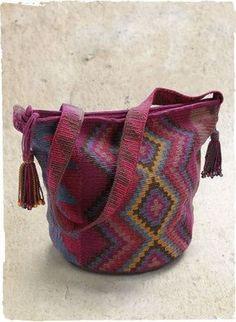 Wayuu Mochila bag with zipper pima cotton crochet... pc I♥U... to be copied....