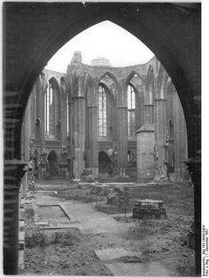 Berlin, Nikolaikirche, zerstörter Innenraum | 7.12.1951