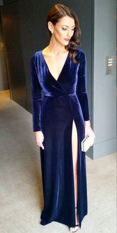 Long Sleeves Navy Vevelt Prom Dress with Keyhole