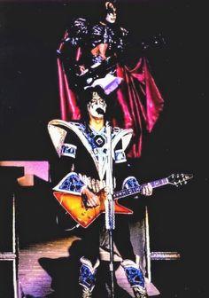 Rocket Ride, Vintage Kiss, Kiss Photo, Kiss Pictures, Heavy Metal Rock, Love Gun, Kiss Band, Ace Frehley, Glam Rock