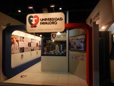 Stand de Universidad Favaloro en Expo Universidad 2014 - Buenos Aires - Argentina - Diseño de MW Arquitectura