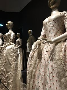 """Ingrid Mida on Twitter: """"Another photo for @2nerdyhistgirls from @rijksmuseum. What visitors love about this exhibit is getting this close."""
