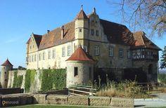 Замок Штеттенфельс – #Германия #Баден_Вюртемберг #Унтергруппенбах (#DE_BW) Средневековый замок открытый для посещения.   ↳ http://ru.esosedi.org/DE/BW/1000458137/zamok_shtettenfels/